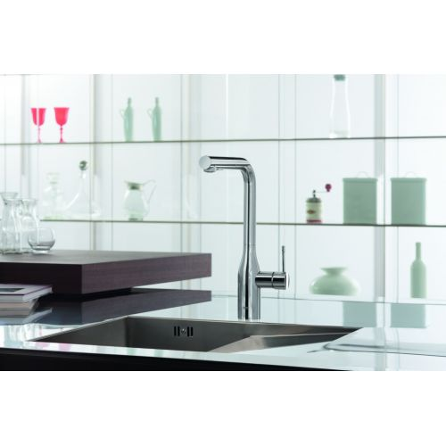 grohe 30271000 essence pull out kitchen faucet with 2 grohe