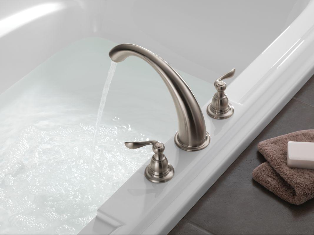 Delta BT2796 Roman Tub Faucet