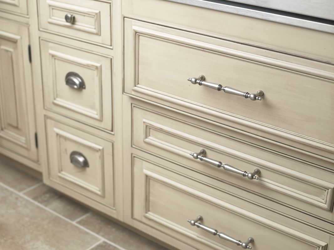 Top Knobs M210 Cabinet Pull